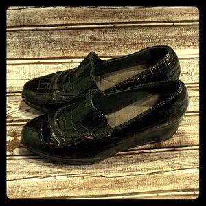 Clark's Bendables Croc Wedge Loafers Slipon Patent